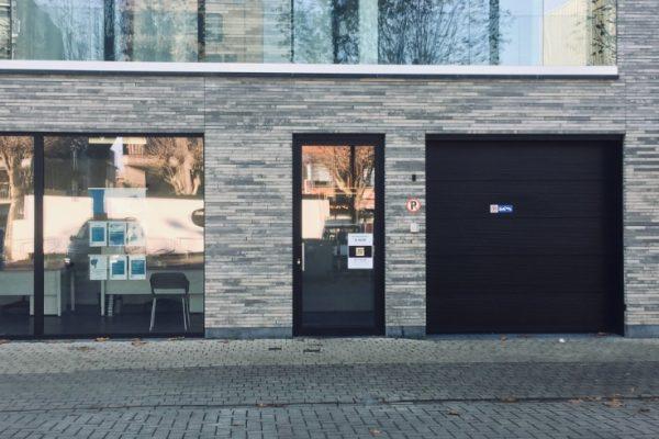 Ruime garages te koop in Zelzate   Project - Strak Bouw bv