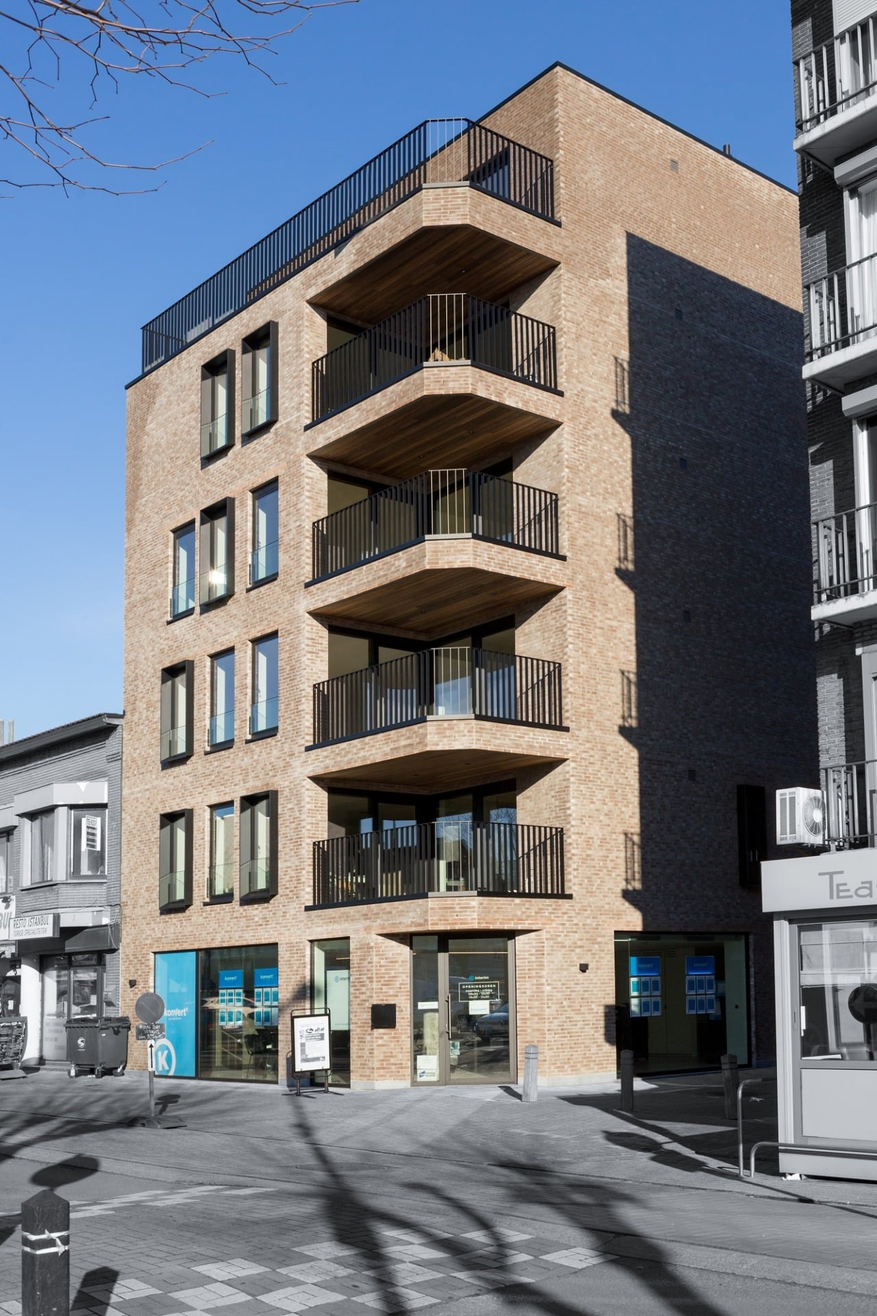 Square view I - 7 appartementen en handelsruimte - Zelzate | Realisaties - Strak bouw bv